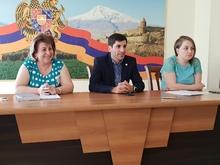 Մարզպետ Գարիկ Սարգսյանը հանդիպել է մարզի համայնքների ավագանիների կին անդամների հետ
