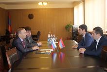 Արարատի մարզպետն ընդունել է ՌԴ Դաշնային Ժողովի անդամ Իգոր Չերնիշենկոյին