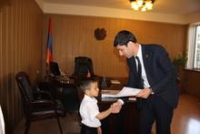 Գարիկ Սարգսյանն ընդունել է 5-ամյա ռեկորդակիր Ալեքսան Խաչատրյանին